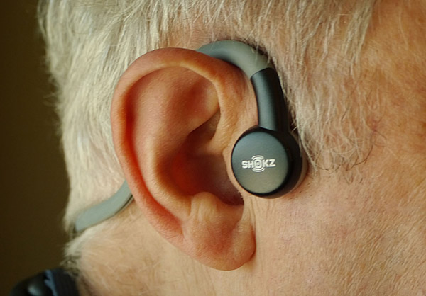 AfterShokz Headphones Bypass Ears | Stereophile.com