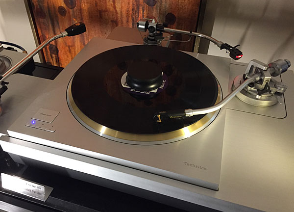 Technics SL-1000R and SP10R Direct Drive Turntables