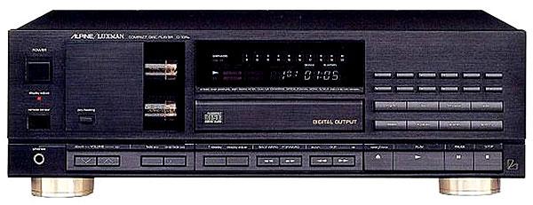 Luxman D-105u CD player