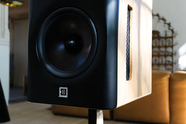 Dutch & Dutch 8c active loudspeaker system   Stereophile com