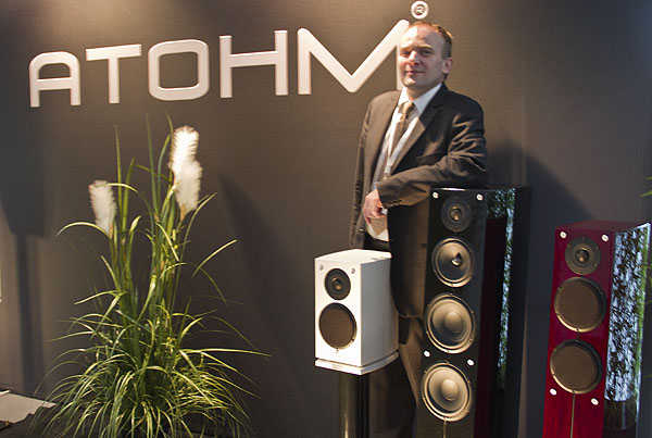 HighEnd20123_Tyll_Photo_Atohm_Main