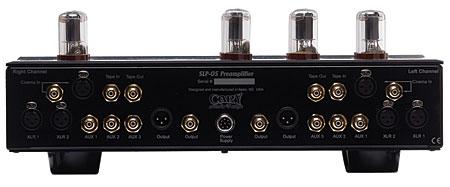 Интерфейсы Cary Classic SLP 05.  Входы линейный x5, балансный x3 Выходы наушники x1...