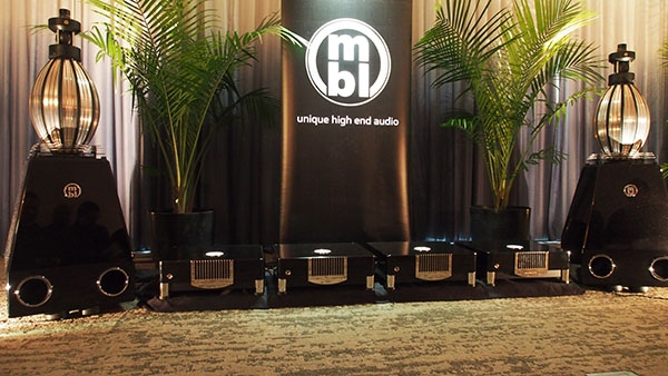 JA's Best Sound at AXPONA: MBL N31 DAC, N15 Monoblocks, 101E Mk.2 Speakers, WireWorld Cables