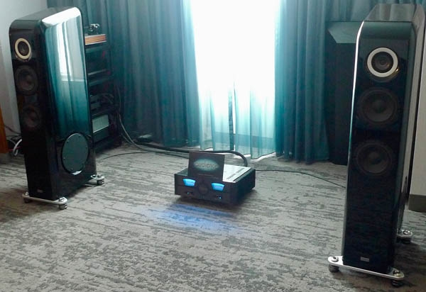 TAD Evolution E1TX-K Loudspeakers, Wolf Audio Alpha 3 Server, Audience SX Cables