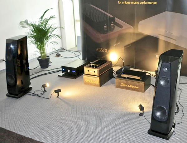 Absolare Passion Amplifier, Rockport Atria Speakers, ReQuest Raptor Plus Server, Echole Cables and AC Conditioner