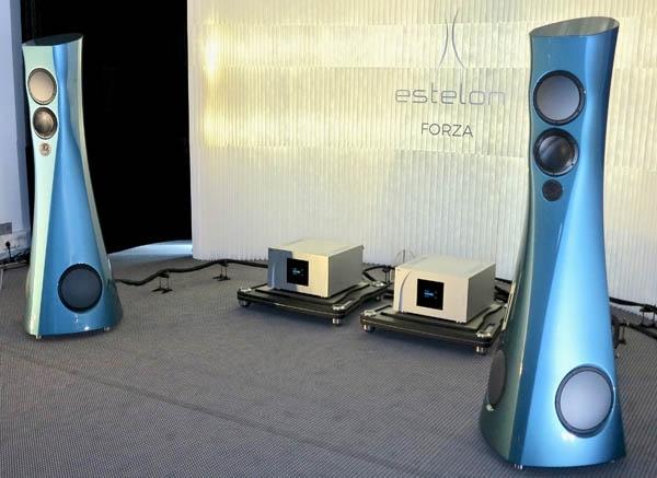 Estelon Forza Loudspeakers, Kronos Pro Turntable, Bassocontinuo Racks, Kubala Sosna Cabling