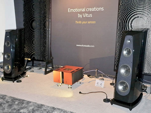 Vitus SIA-030 Signature Amplifier, Thrax Yatrus Turntable, Schroeder Tonearm, Sculpture A Cartridge, Stillpoints Isolation Devices