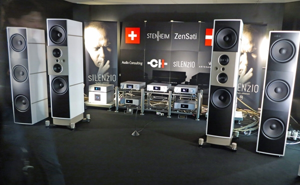 Many European audiophiles must have decided to take advantage of the  three-day holiday weekend and avoid Saturday s crowds 193c050966992