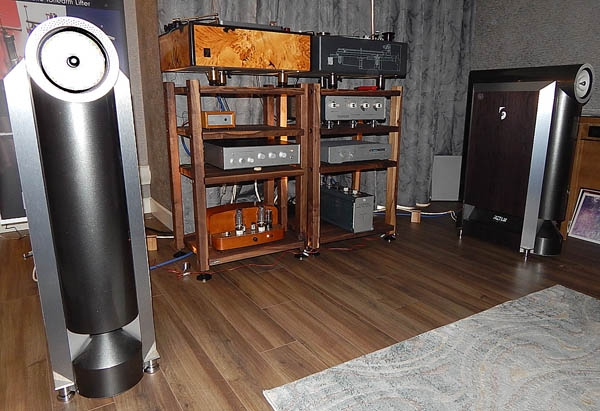 Jean Natais Turntable, Graham Tonearm, Miyajima Cartridge, Yamamoto Amplifier, Rethm Speakers, Ocelia Cables, Harmonix Accessories