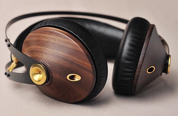 Meze Audio 99 Classic headphones