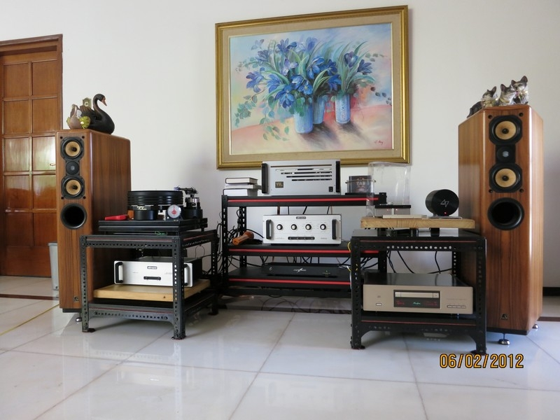 My Olu0027e Faithful Home Audio System Is Still Sounding Astoundingly And  Ramarkably Holographic With No Sound Treatment At All.